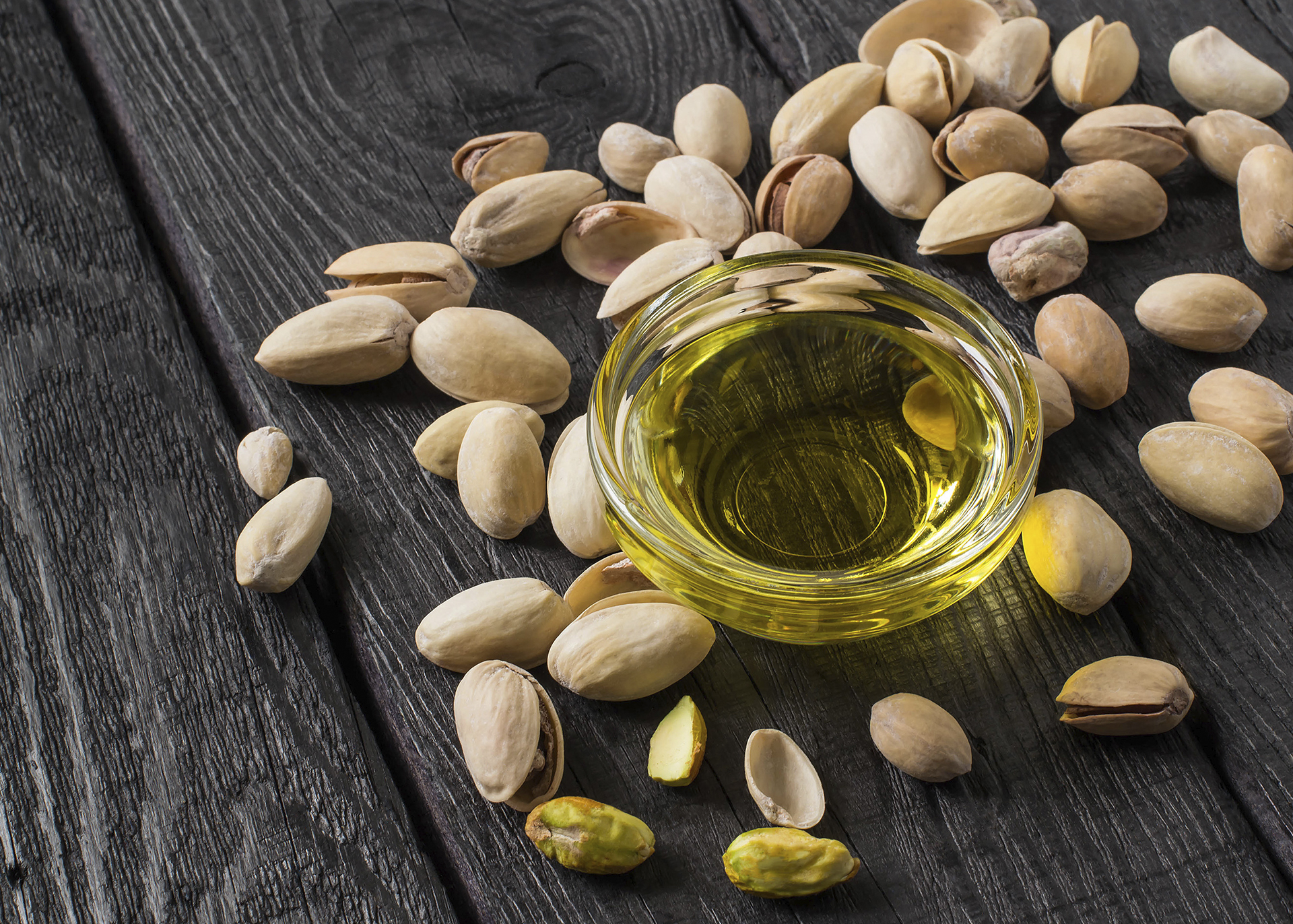 Pistachionut-Oil_Henry-Lamotte-Oils