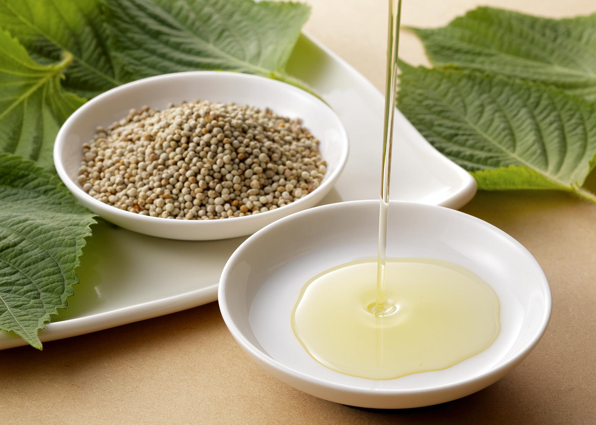Perilla-Oil_Henry-Lamotte-Oils