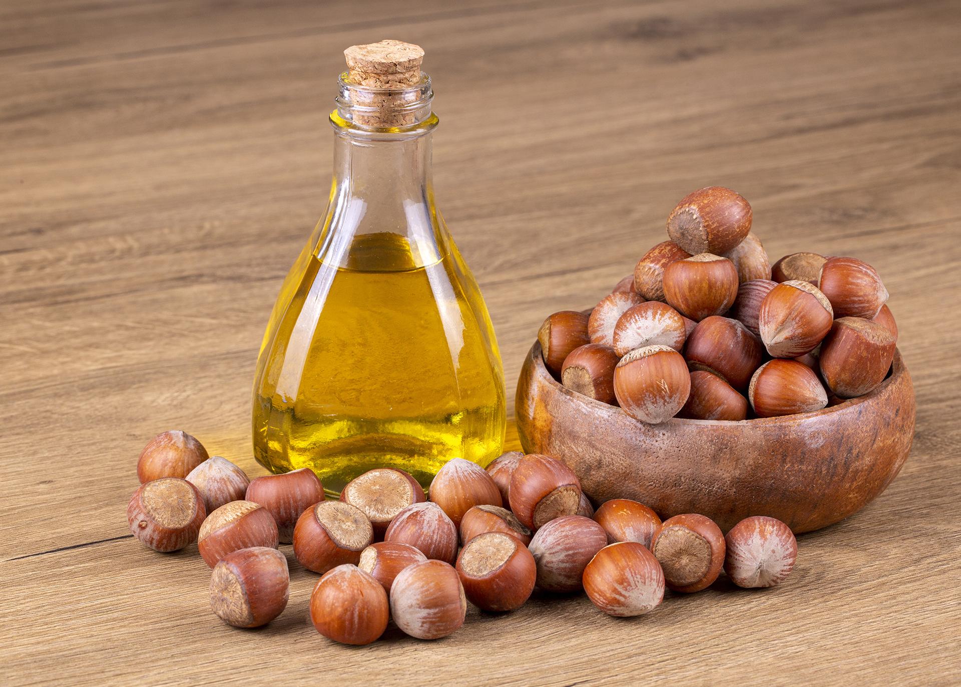 Hazelnut-Oil_Henry-Lamotte-Oils