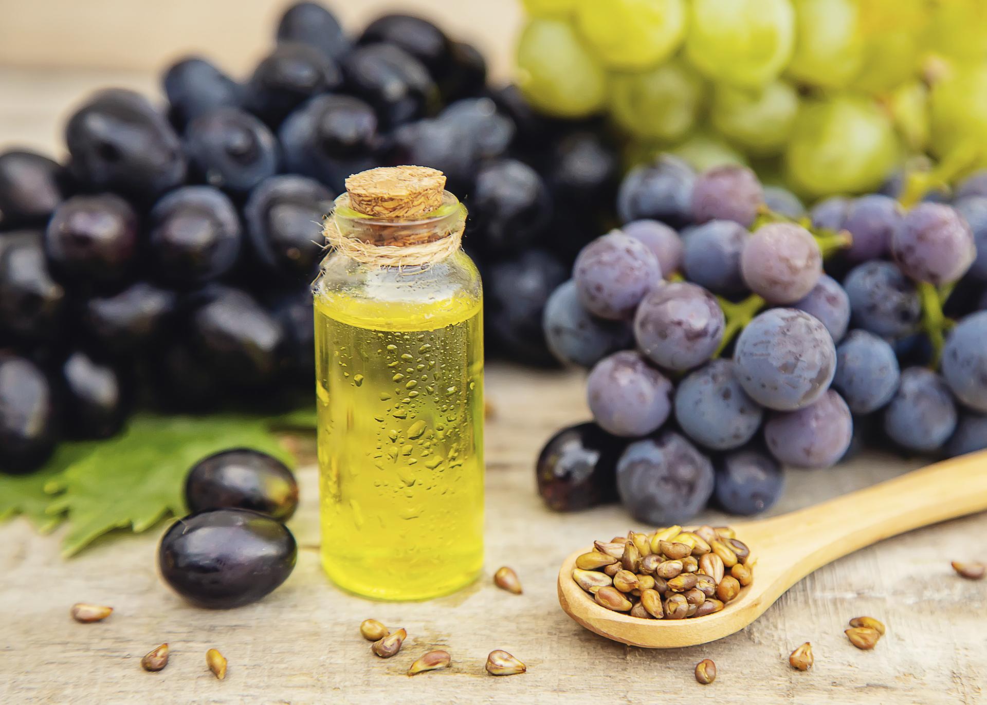 Grapeseed-Oil_Henry-Lamotte-Oils