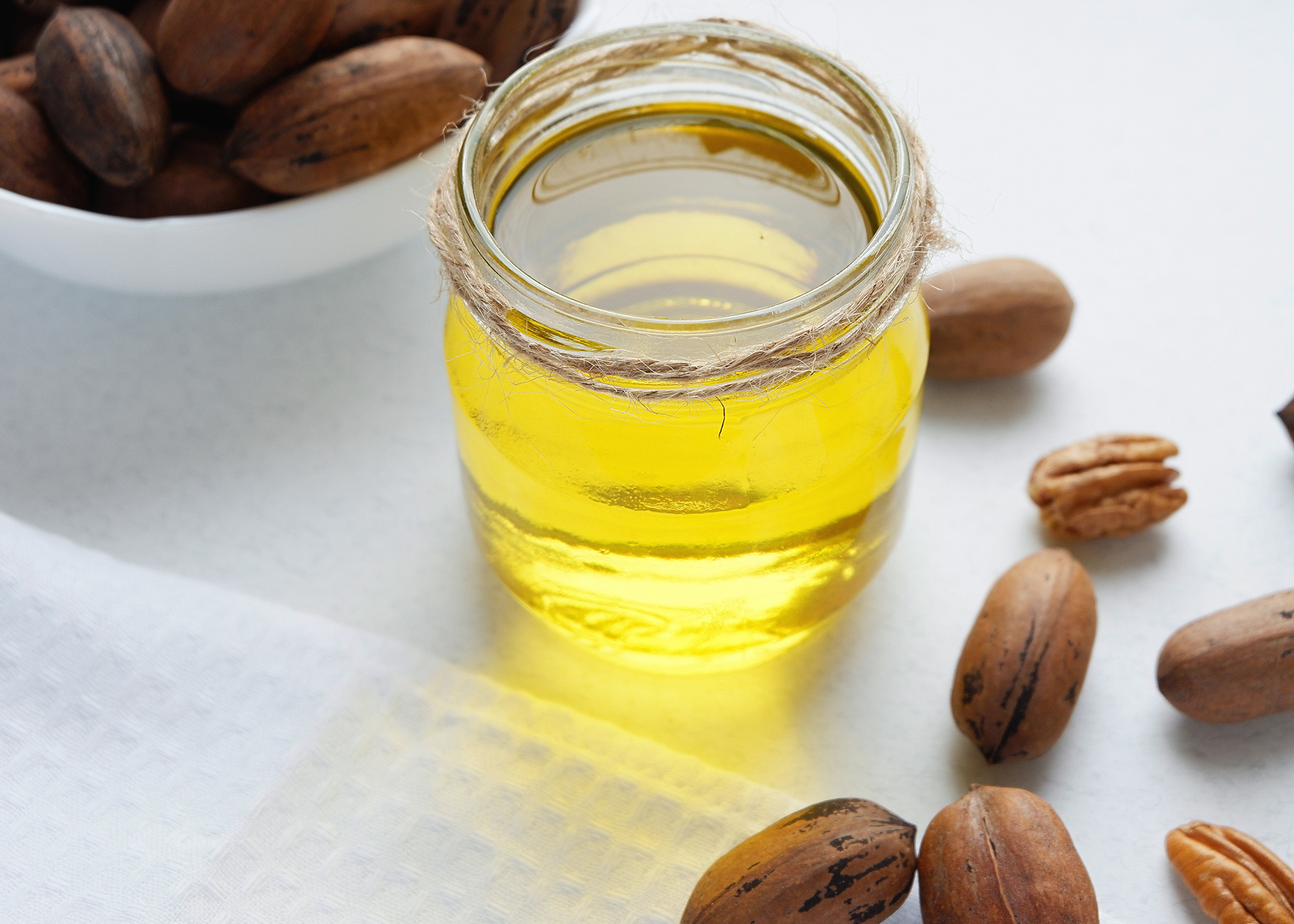 Pecan-Nut-Oil_Henry-Lamotte-Oils