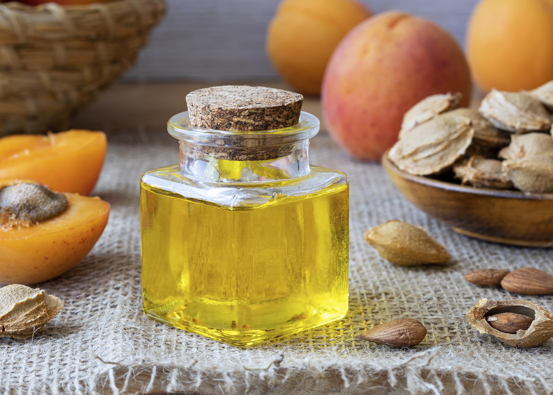 Apricot-Kernel-Oil_Henry-Lamotte-Oils